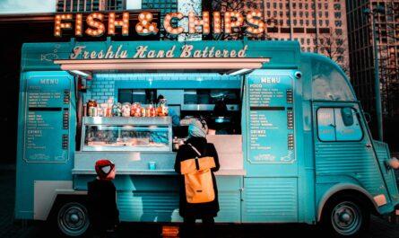 Food Truck, který kromě jídla nabízí také nápoje.