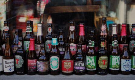 Stupňovitost piva je u každého z vystavených produktů jiná.